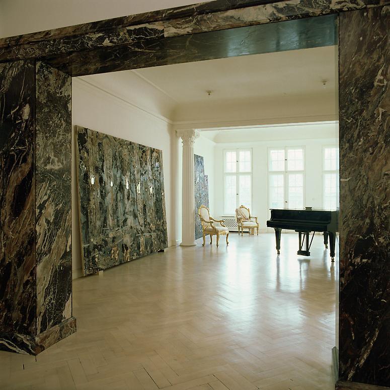 http://images.exhibit-e.com/www_elizabethheyert_com/Heiner_Bastian_Berlin1.jpg