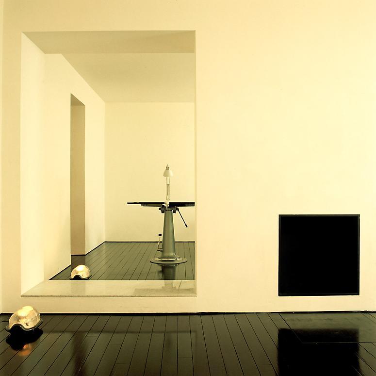 http://images.exhibit-e.com/www_elizabethheyert_com/John_Pawson_London1.jpg