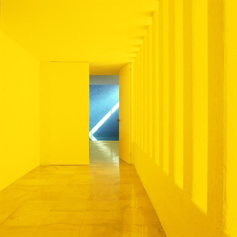 http://images.exhibit-e.com/www_elizabethheyert_com/Luis_Barragan_Mexico_City_1.jpg
