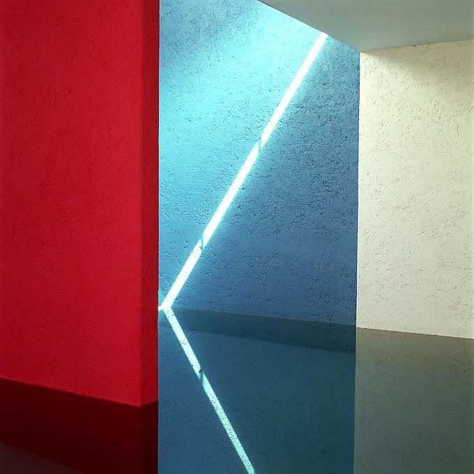 http://images.exhibit-e.com/www_elizabethheyert_com/Luis_Barragan_Mexico_City_11.jpg