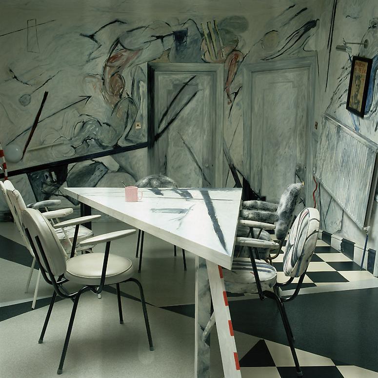 http://images.exhibit-e.com/www_elizabethheyert_com/Marco_Pirroni_London1.jpg