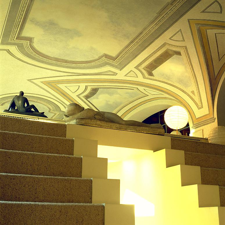 http://images.exhibit-e.com/www_elizabethheyert_com/Mario_Bellini_Milan_11.jpg