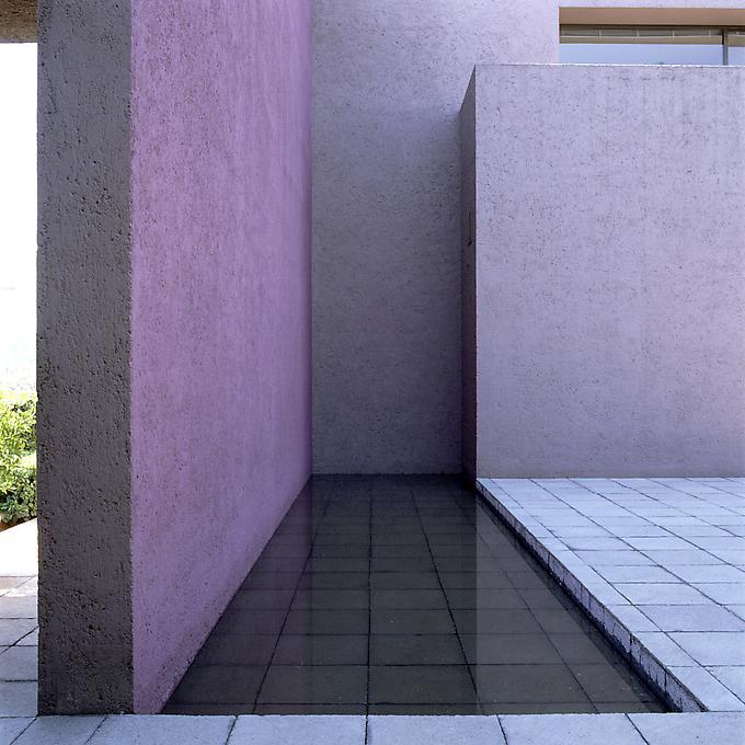 http://images.exhibit-e.com/www_elizabethheyert_com/Uribe_Mexico_City0.jpg