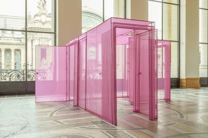 hub london apartment 2015 polyester fabric stainless steel 14937 x 1861 x 8492 inches 3794 x 4727 x 2157 cm - Magenta Apartment 2015